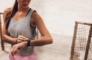 6 Top Stylish Heartbeat Counter and Fitness Watches For Women's