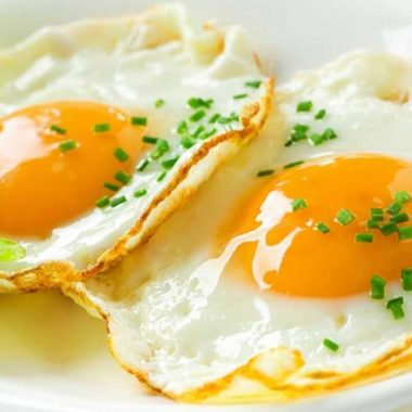 HOW MANY CALORIES IN 2 FRIED EGGS IN OIL